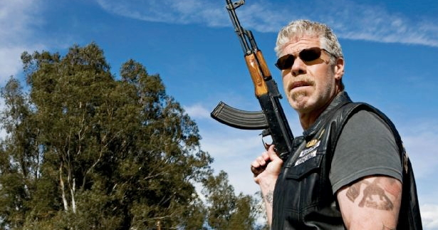 [Imagem: FEATURED-sons-of-anarchy-clay-morrow-gun.jpg]